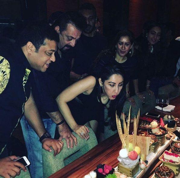 Sanju Baba's Wife Manyata Celebrates Her Birthday Party ...