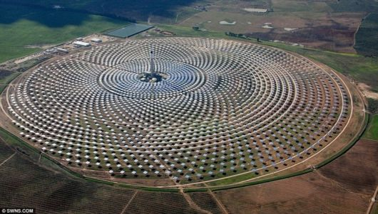 Worlds First Solar Plant That Generates Power At Night
