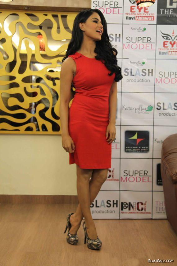 Veena Malik At Supermodel City Tour
