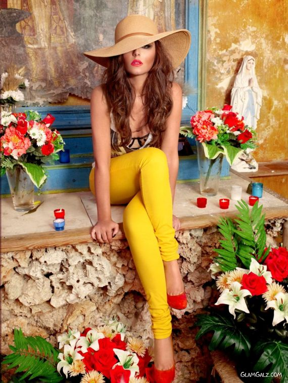 Stylish Cheryl Cole For 2012 Calendar