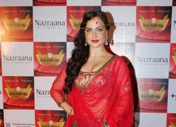 Elli Avram at Nazraana Retail Jeweller India Awards