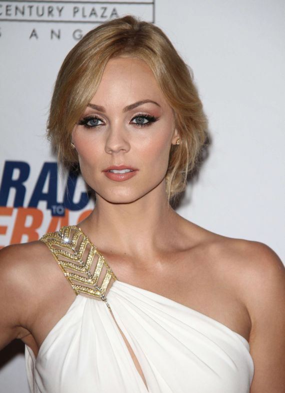 Laura Vandervoort At 21st Annual Race To Erase MS Event
