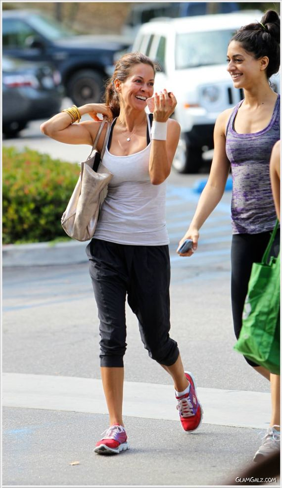 Brooke Burke Shopping In Malibu