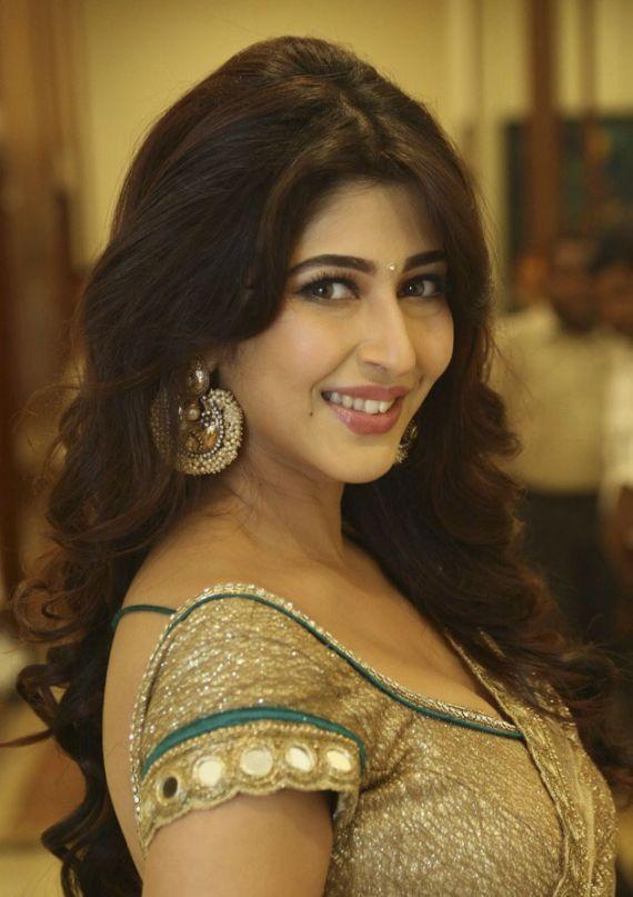 Sonarika Bhadoria At Eedo Rakam Movie Audio Launch